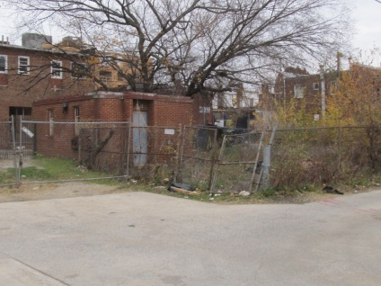 This small alley building and its lot are behind 3214-3218 Georgia. It is currently unused.
