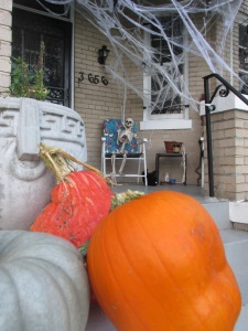 3666 Park Place decorated for Halloween.